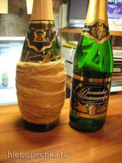 Ананас из бутылки шампанского и конфет (мастер-класс)
