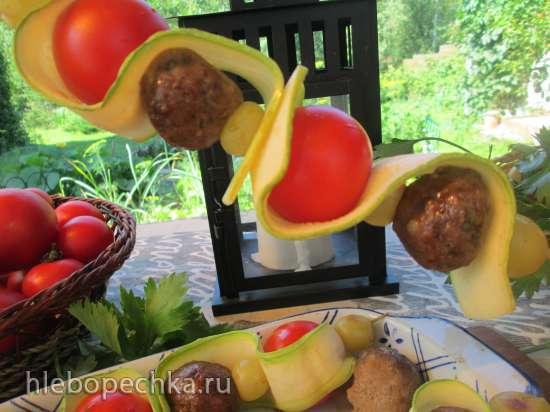 Шашлычки из говяжьих фрикаделек Приглашение на пикник