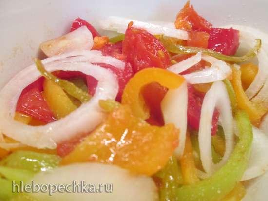 Моцарелла и фета, запеченные с яйцами и овощами по-болгарски
