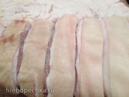 Рулет из  свинины с черносливом и корицей