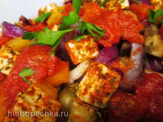 Запеченное овощное рагу с красным луком