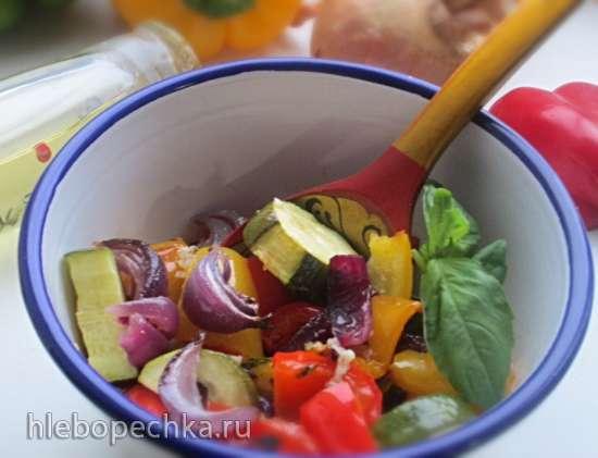 Салат из запеченных овощей с чесночной заправкой