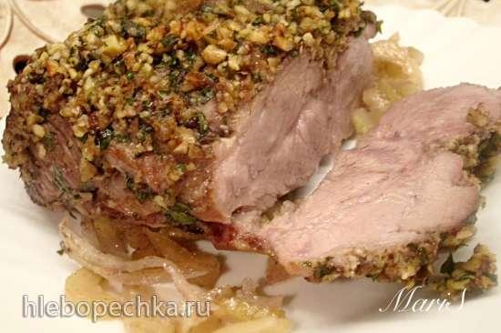 Свинина в орехах с зеленью и маринаде из сельдерея