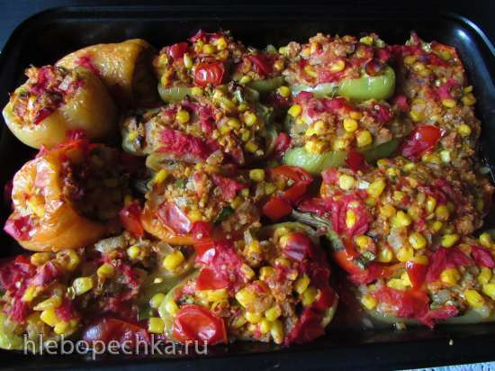 Перцы, фаршированные кукурузой и фетой