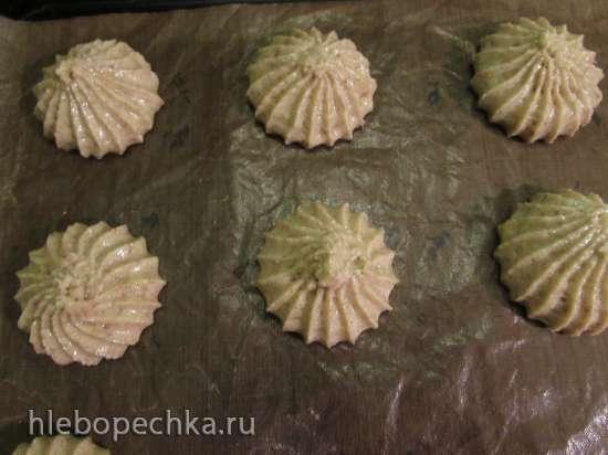 Мягкое печенье с кунжутной мукой