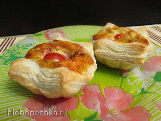 Слойки из готового теста с сочной сырно-колбасной начинкой