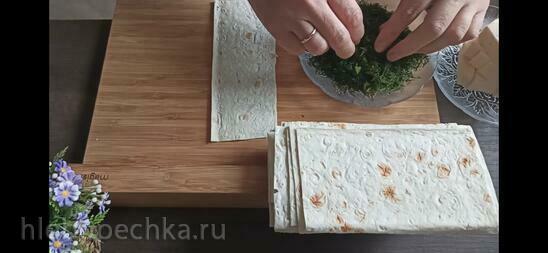Рулетики из лаваша с плавленым сыром. Чипсы из лаваша (+видео)