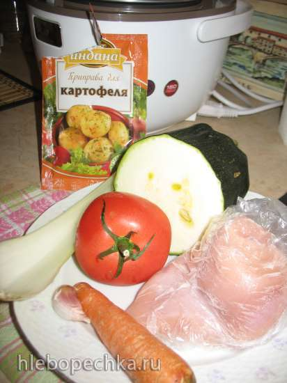 Суп-гуляш из филе индейки и овощей Мультиварка Redmond RMС-01