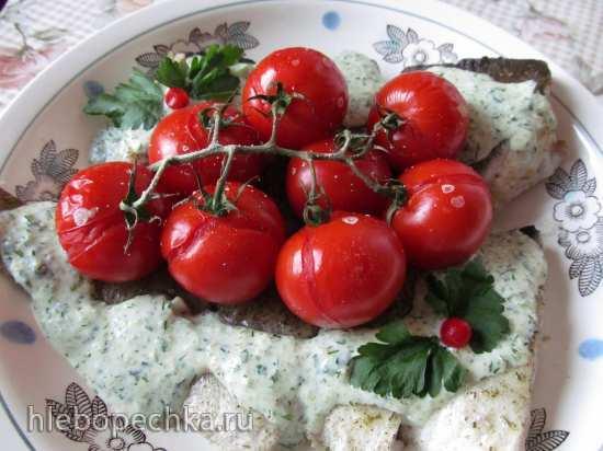 Филе трески с помидорами черри и кунжутным соусом