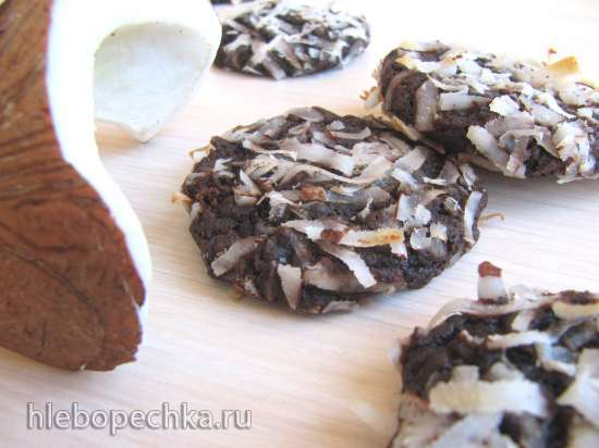 Шоколадно-кокосовое печенье с миндалем и полбяной мукой