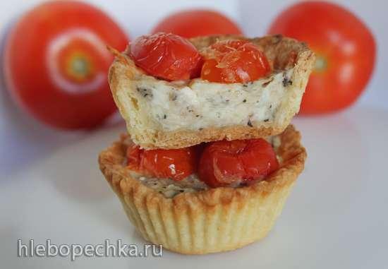 Тарталетки с козьим сыром и томатным конфи