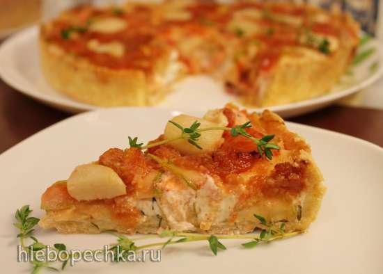 Пирог с цуккини, гребешками и сливочным сыром под томатным конфи