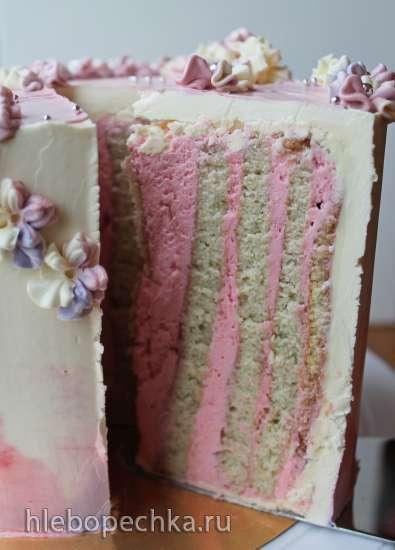 Фисташково-малиновый торт с вертикальными коржами