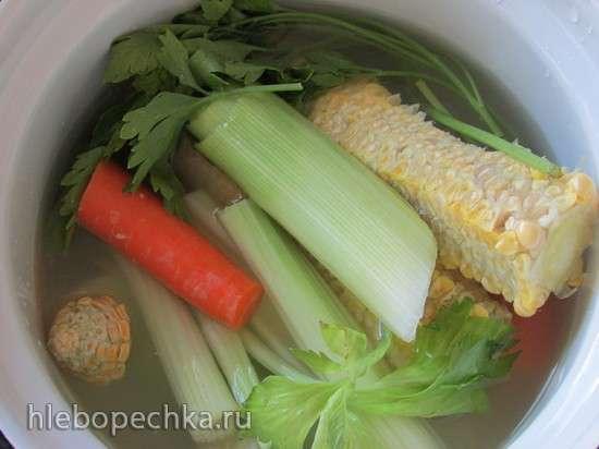 Сладкий кукурузный суп с сыром Рикотта и базиликовым маслом
