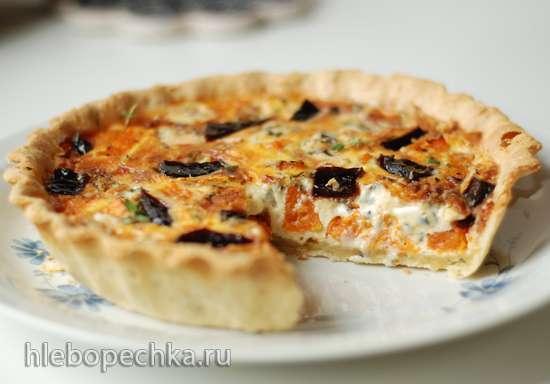 Киш с тыквой, мармеладом и сыром с голубой плесенью
