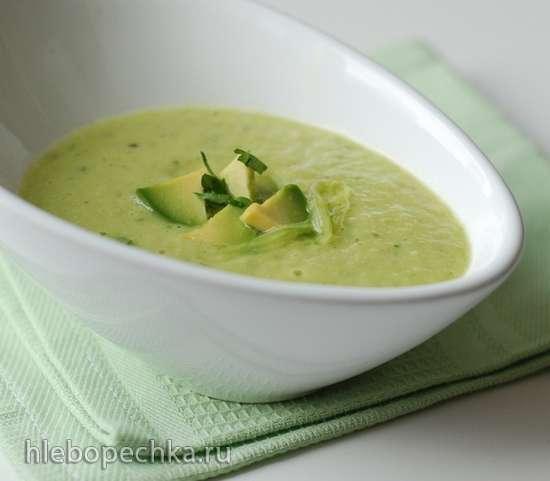 Теплый крем-суп из огурца и авокадо