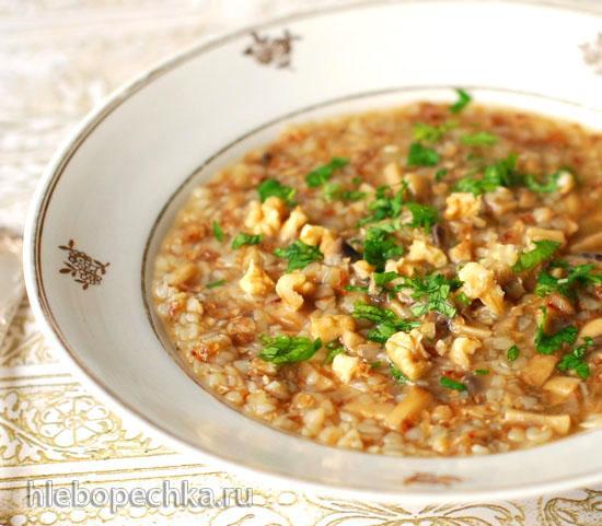 Гречневый суп с грибами и орехами