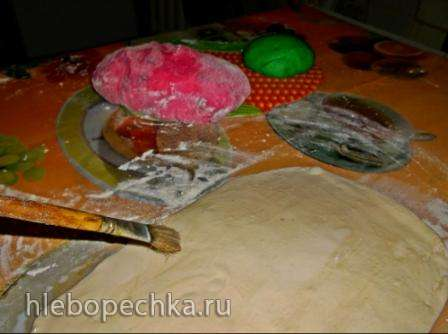 Хлеб с изюмом в виде Арбуза (Watermelon Look- Alike Raisin Bread)