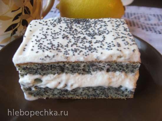 Маковый пирог со сливочным кремом и черносливом