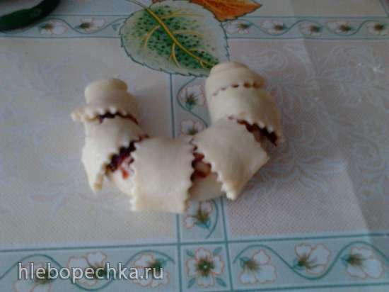 Рогалики с джемом или домашней нутеллой