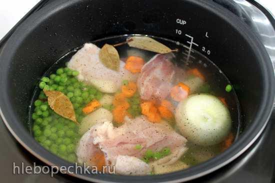 Суп с зеленым горошком и курицей