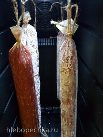 Надо ли протирать белый налет на домашней сыровяленой колбасе во время сушки?