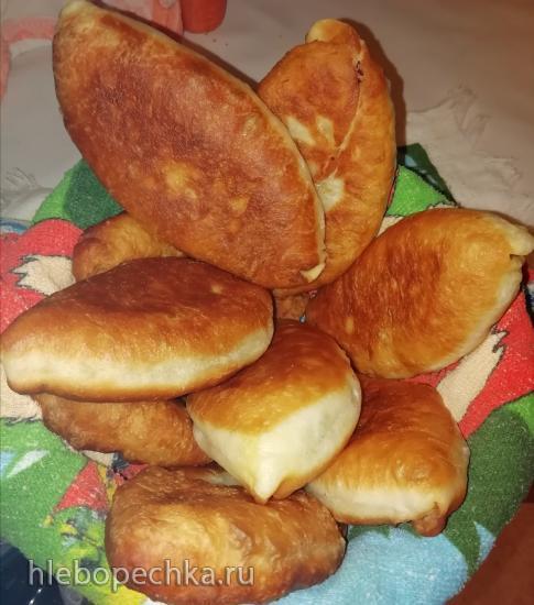 Тесто дрожжевое для жареных пирожков в хлебопечке. Лапотки.