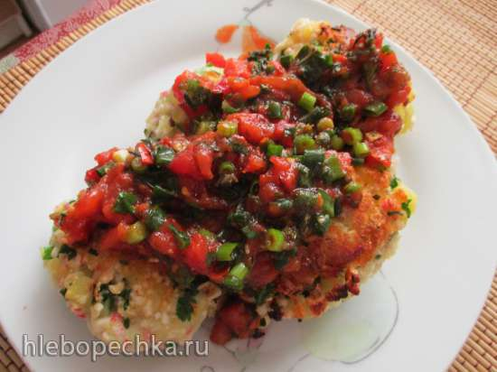 Картофельно-крабовые котлетки с соусом сальса по мотивам рецепта Джейми Оливера