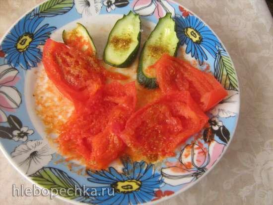 Салат из баклажанов-гриль, вяленых овощей и кускуса (гриль, микроволновая печь)