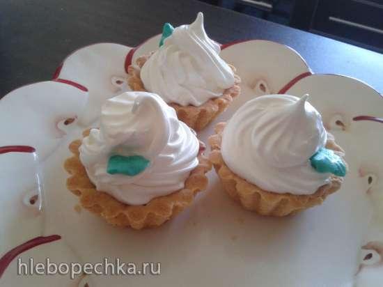 Пирожные корзиночки с белковым кремом и джемом по ГОСТу