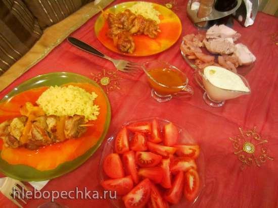 Шашлычки куриные в мандариновом соусе с рисом