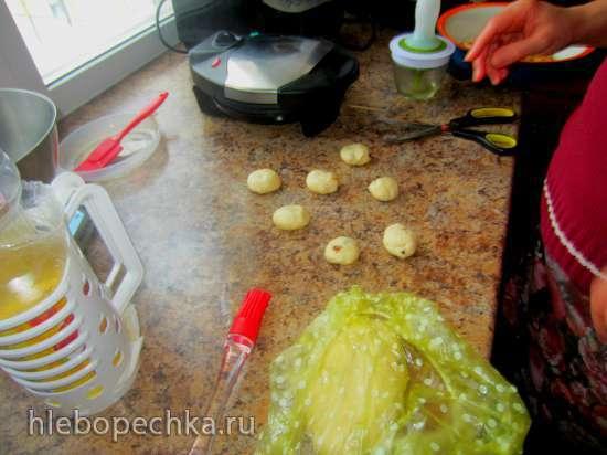 Пончики творожные с изюмом на дрожжах в Smile WM 3606