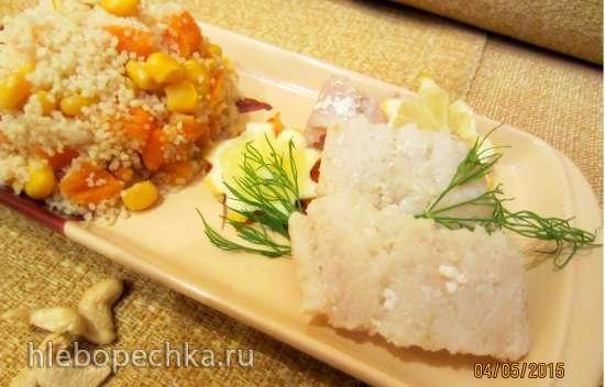 Филе хека, припущенное в капустном рассоле с гарниром из кус-куса