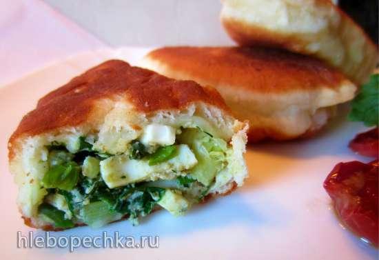 Пирожки жареные, с зелёным луком и яйцом