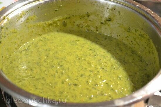 Суп-пюре из зеленого горошка и салатной зелени