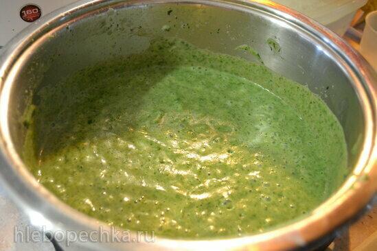 Сливочный суп-пюре из кабачков со шпинатом