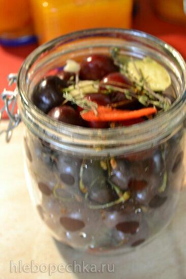 Вишня, черешня и другие ягоды маринованные