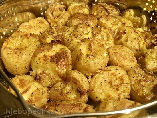 Давленый  пряный запеченный картофель в Ninja Foodi (программа пар + гриль)