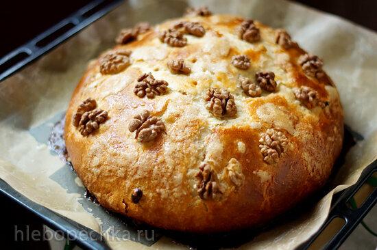 Валенсийский пирог с изюмом и орехами