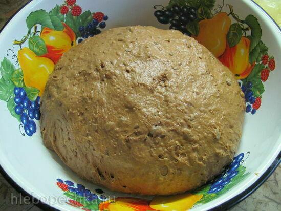 Хлеб пшенично-ржаной с зерновой смесью и сухофруктами