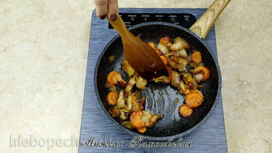 Легкий рисовый суп на бульоне из потрошков и паштет из них (+видео)