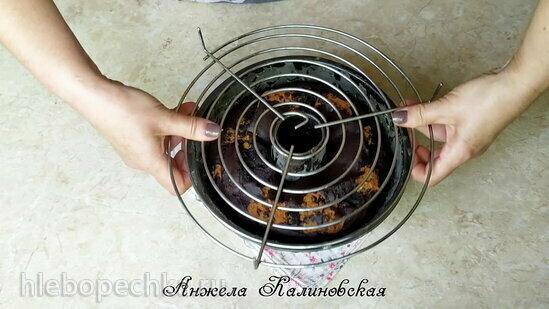 Шоколадный кекс с тестом для печенья (+видео)