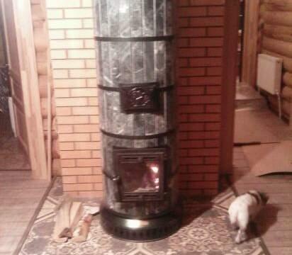 Печка для загородного дома с красивой облицовкой