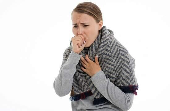 Что эффективно разжижает мокроту и устраняет сухой кашель?