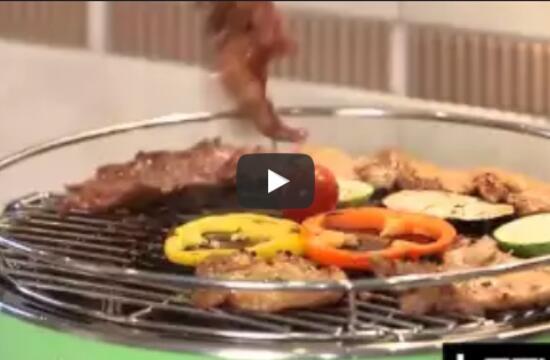 Угольный гриль на кухне