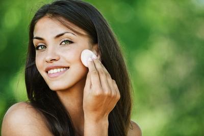 Как выбирать и правильно наносить тональный крем